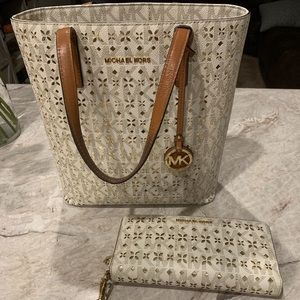 Michael Kors Hayley Tote and Wallet